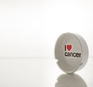 Aschenbecher 'I love cancer'